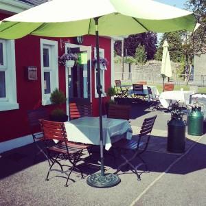 cafe fergus sunny day